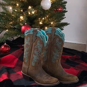 NWOT Women's Justin boots